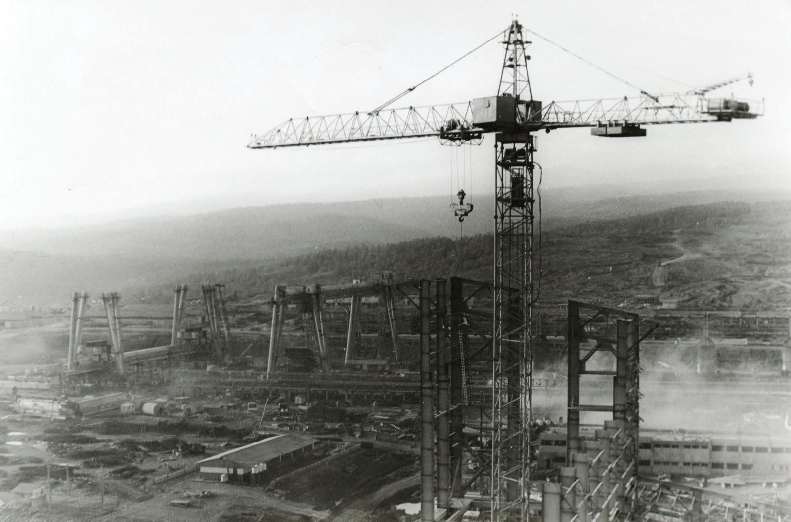 1981-1982. Фото 15. Завод с высоты птичьего полета (крана)