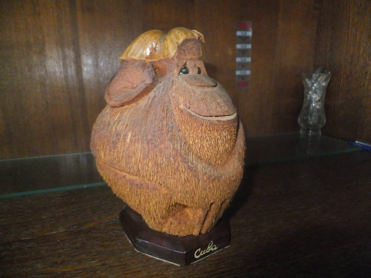 Обезьяна из кокоса, полупрофиль