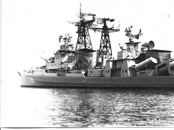 1977. С 17 по 22 декабря. Визит советских кораблей в Гавану.