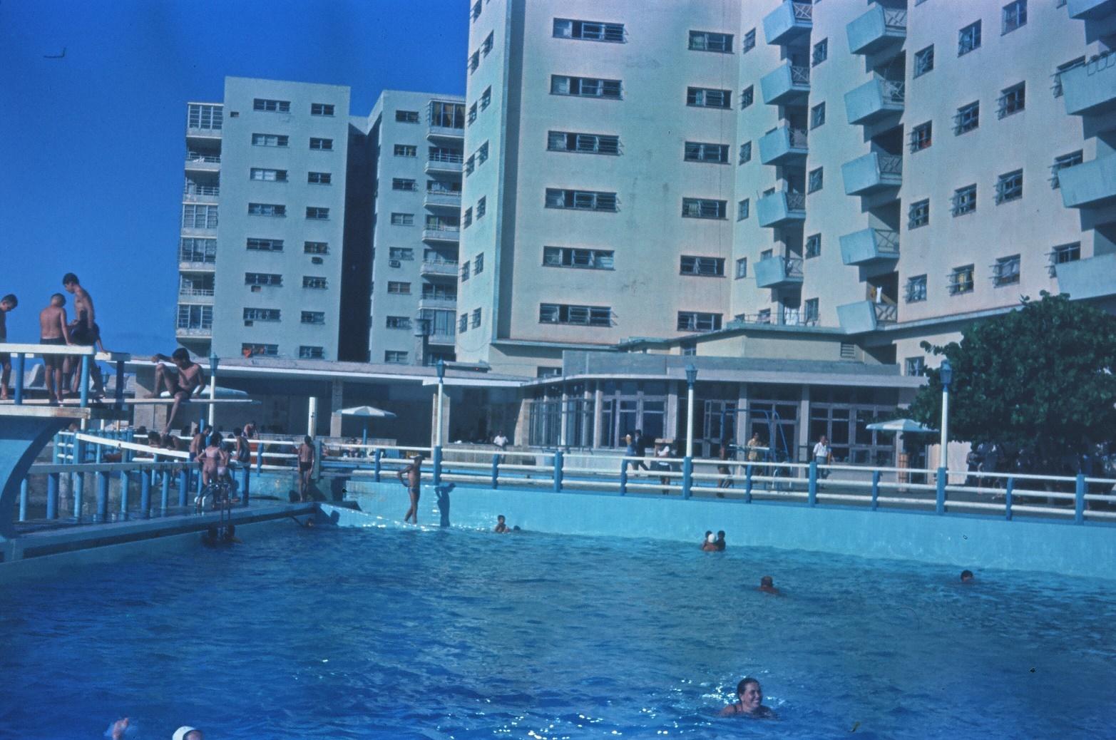 1968-1970. Бассейн гостиницы «Сьерра-Маэстра», фото 4