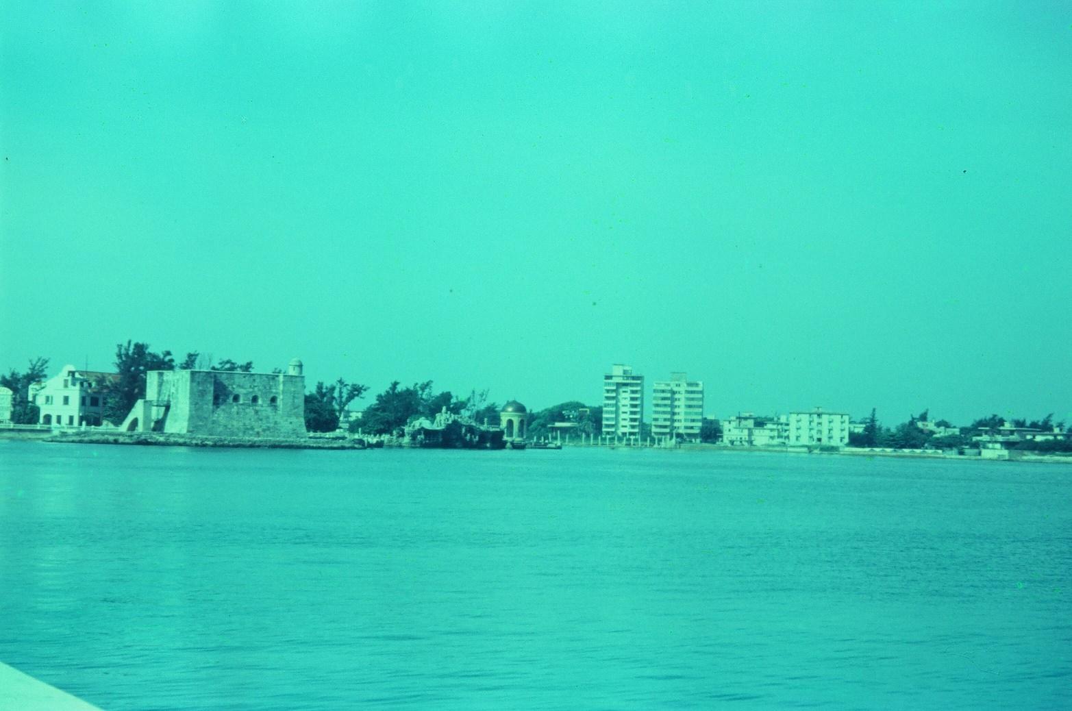 1968-1970. Вид с океана. Река Альмендарес, крепость Эль Торреон, фото 1