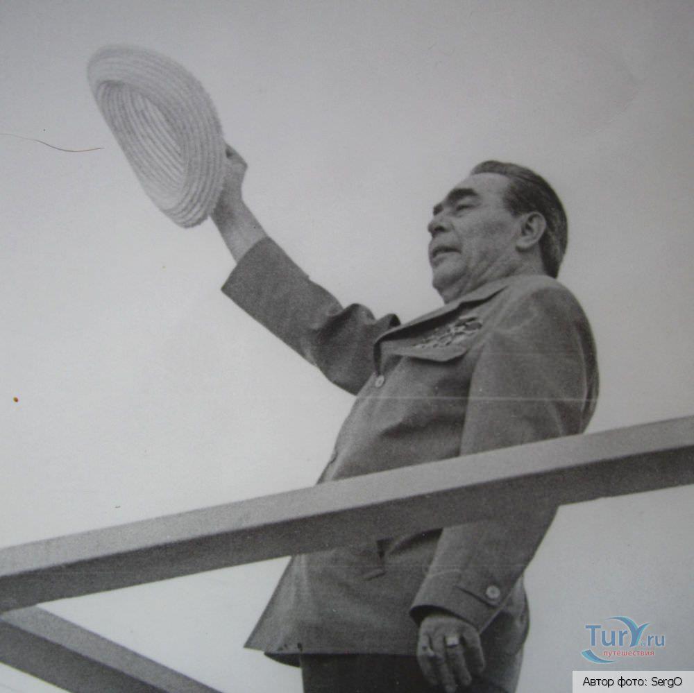 1974. Леонид Ильич Брежнев. Встреча с Фиделем Кастро. Площадь Независимости.