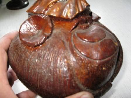 Обезьяна из кокосового ореха. Профиль.