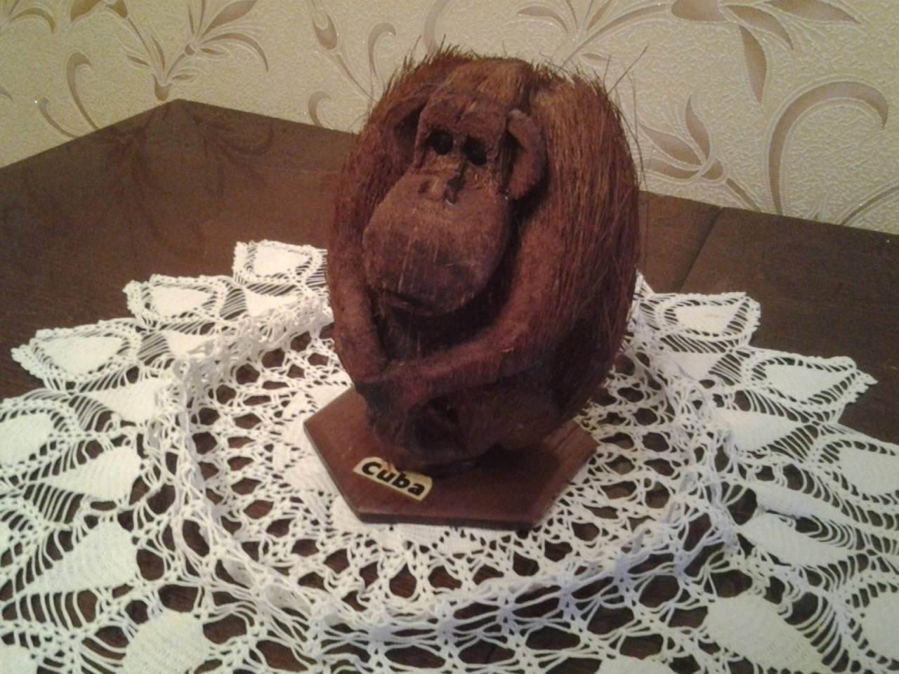 Обезьянка из кокоса.