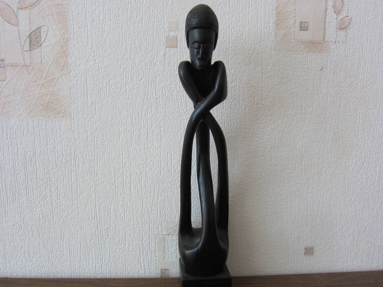 Статуэтка из дерева, женская фигура