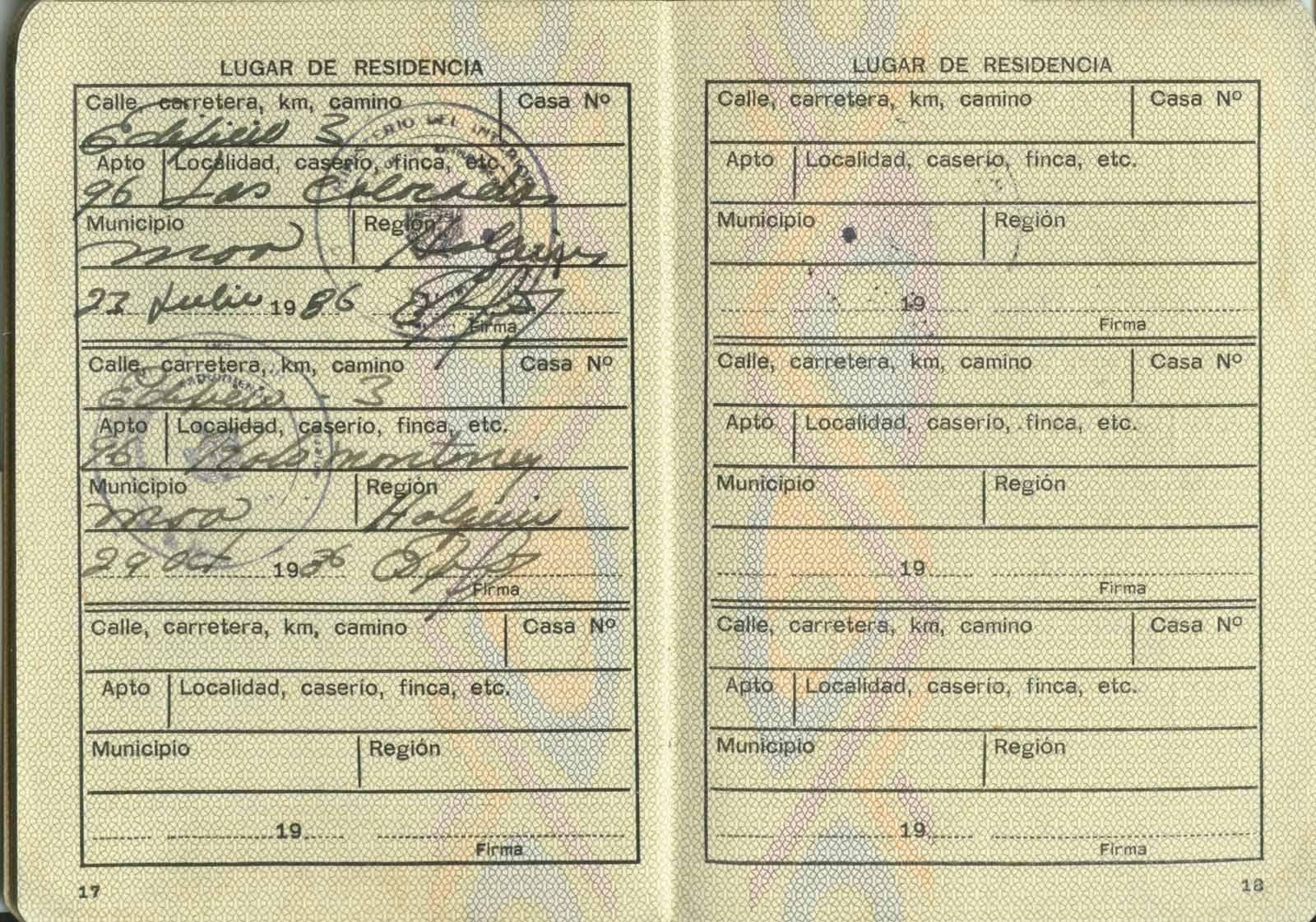 Удостоверение личности для иностранцев. Стр. 17-18
