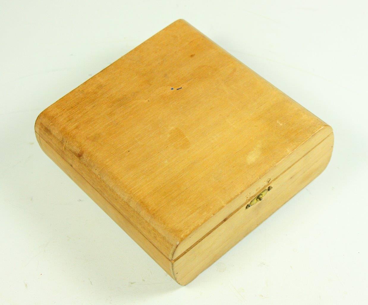 34. Коробка деревянная из-под сигар. Общий вид. 1962 г. Республика Куба