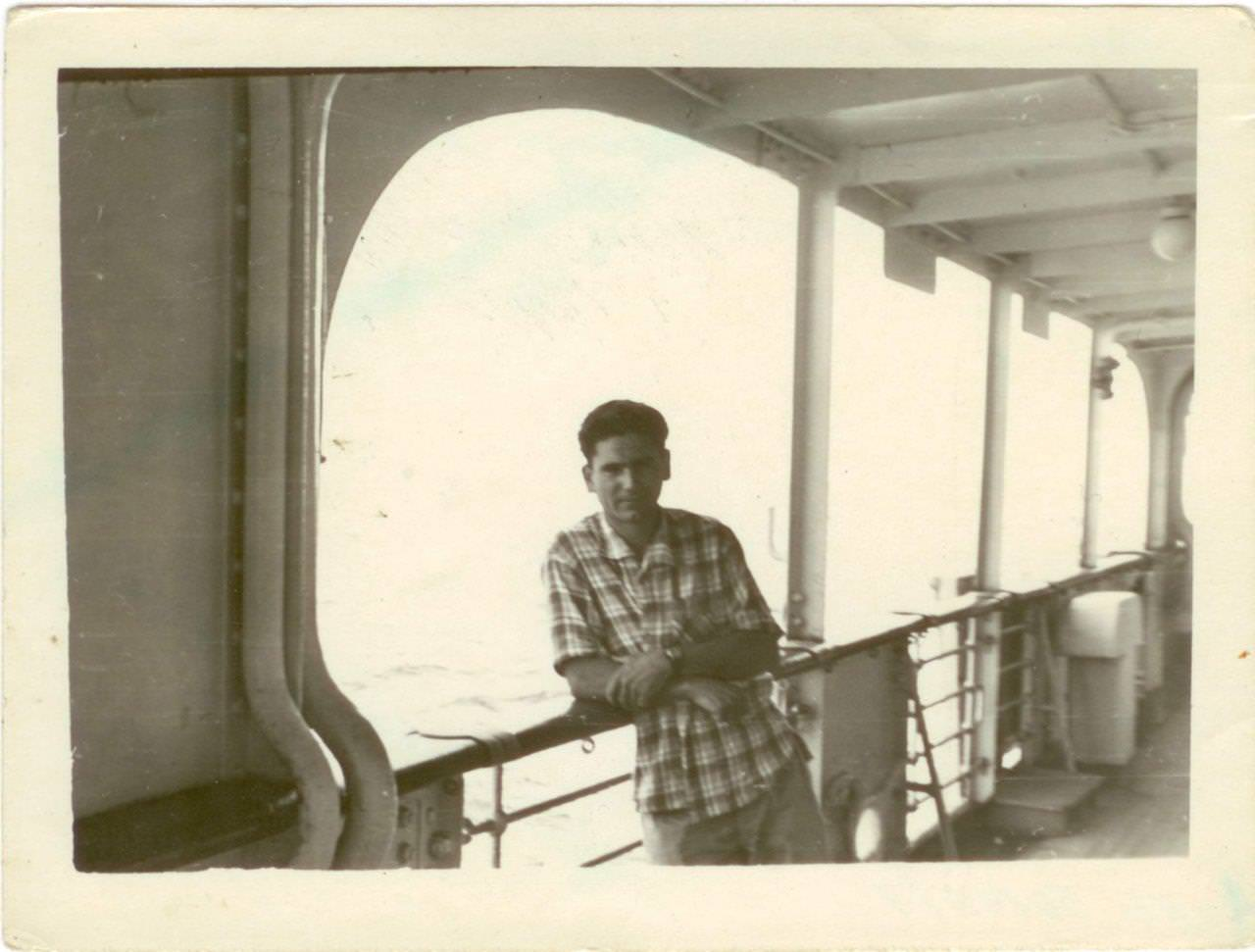 36. Попов Геннадий Александрович на палубе теплохода «Грузия». 1961 г.