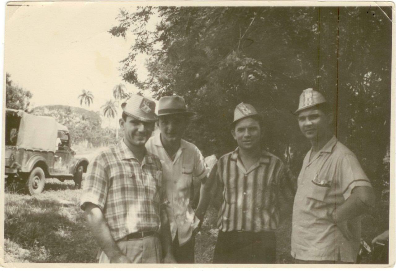 41. Попов Геннадий Александрович и Пушкин Юрий с коллегами. Республика Куба. 1961 г.