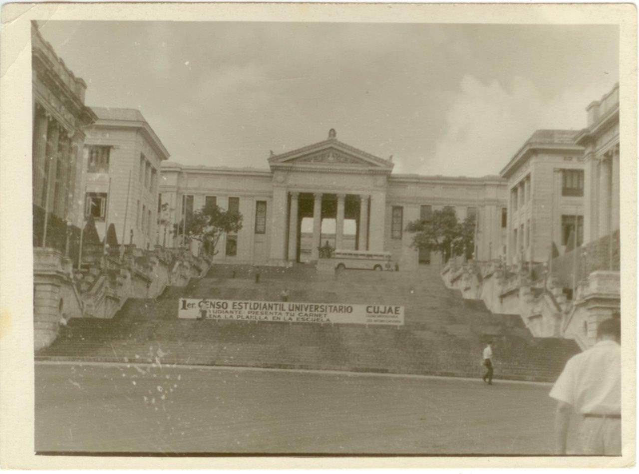 54. Здание Гаванского университета. Республика Куба, г. Гавана. 1961 г.