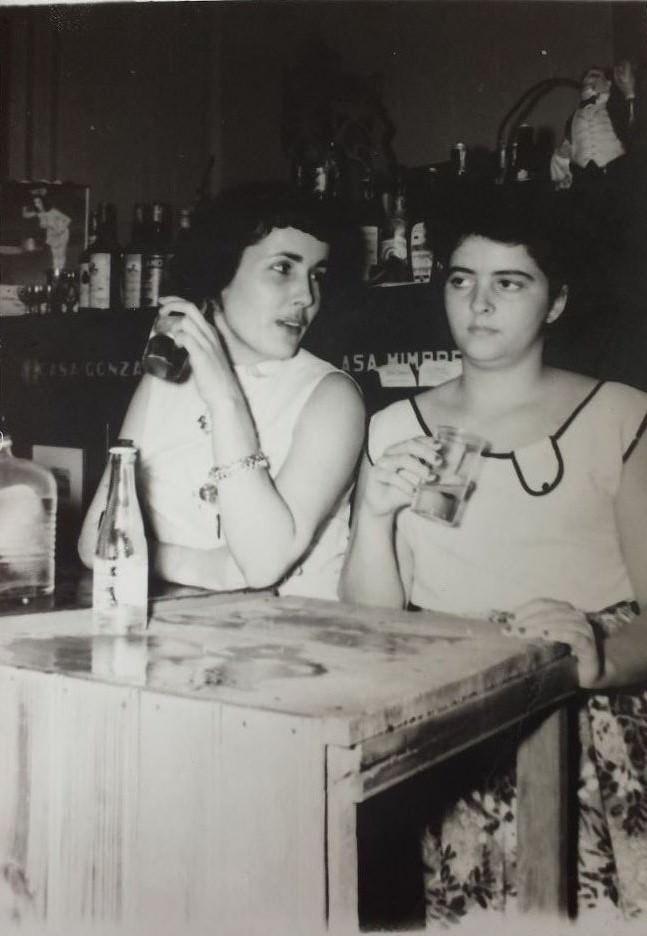 1950-е годы. Девушки в ночном клубе.