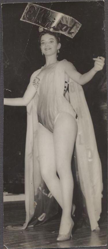 1957. Гавана. В ночном клубе.