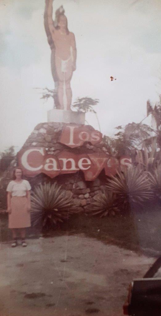 "1983-1986. Санта-Карла. Отель ""А Los Caneyes"""