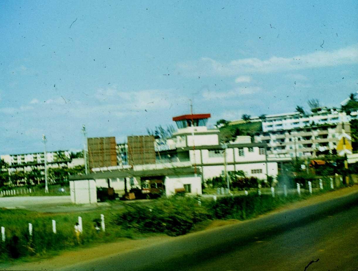 1983-1985. Серия 1. Фото 17. Аэровокзал в Роло.