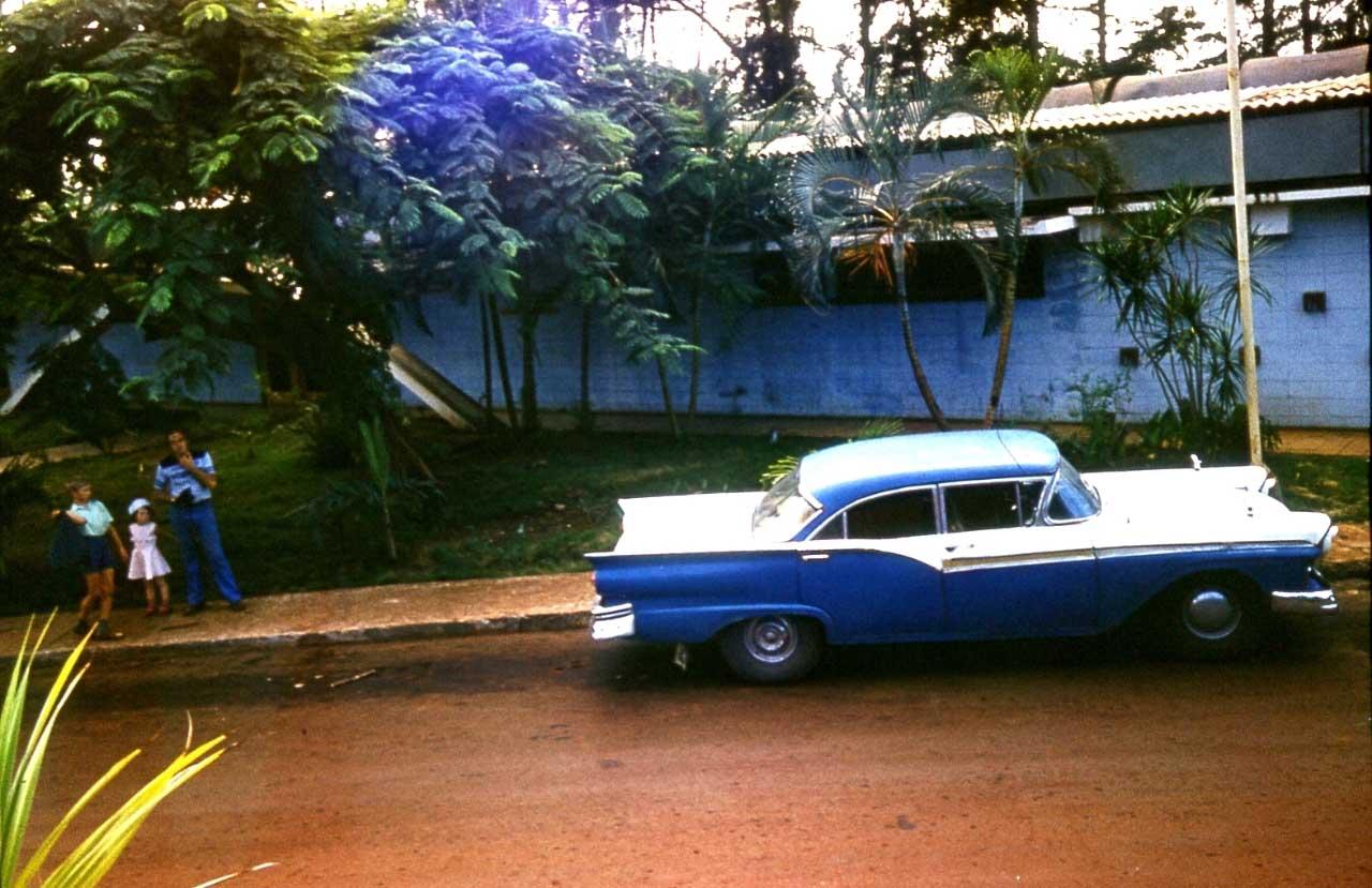 1983-1985. Серия 1. Фото 32. Раритет, старый американский автомобиль.