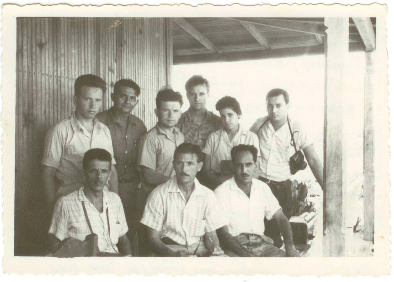 03. Шарапов Виктор Фролович (во 2-м ряду 1-й слева), с советскими и кубинскими коллегами. Республика Куба. 1961 г.