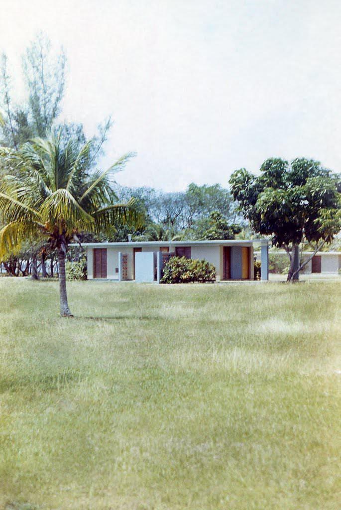 126. Коттедж на Плайя-Ларго, 1976