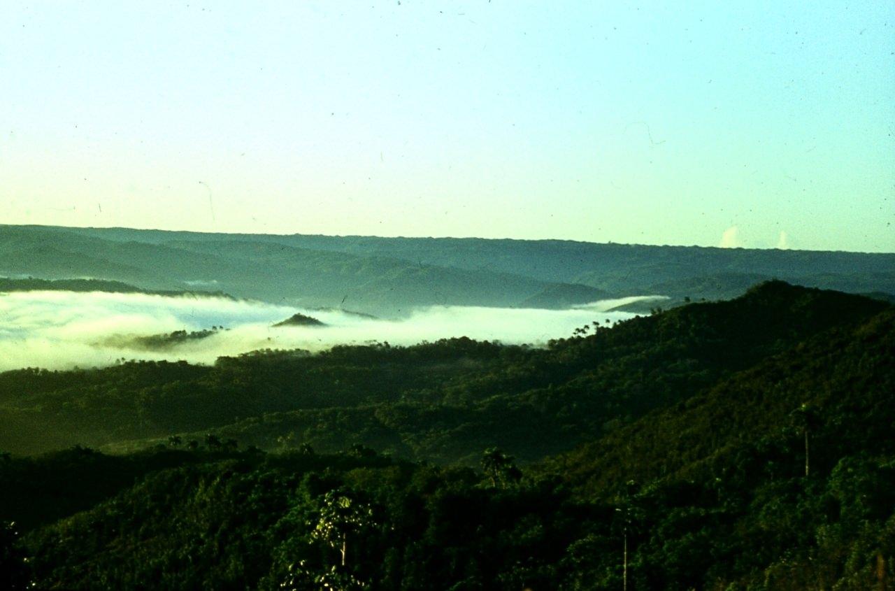 Горы Сьерра-Маэстра. 1983-1985. Над облаками.
