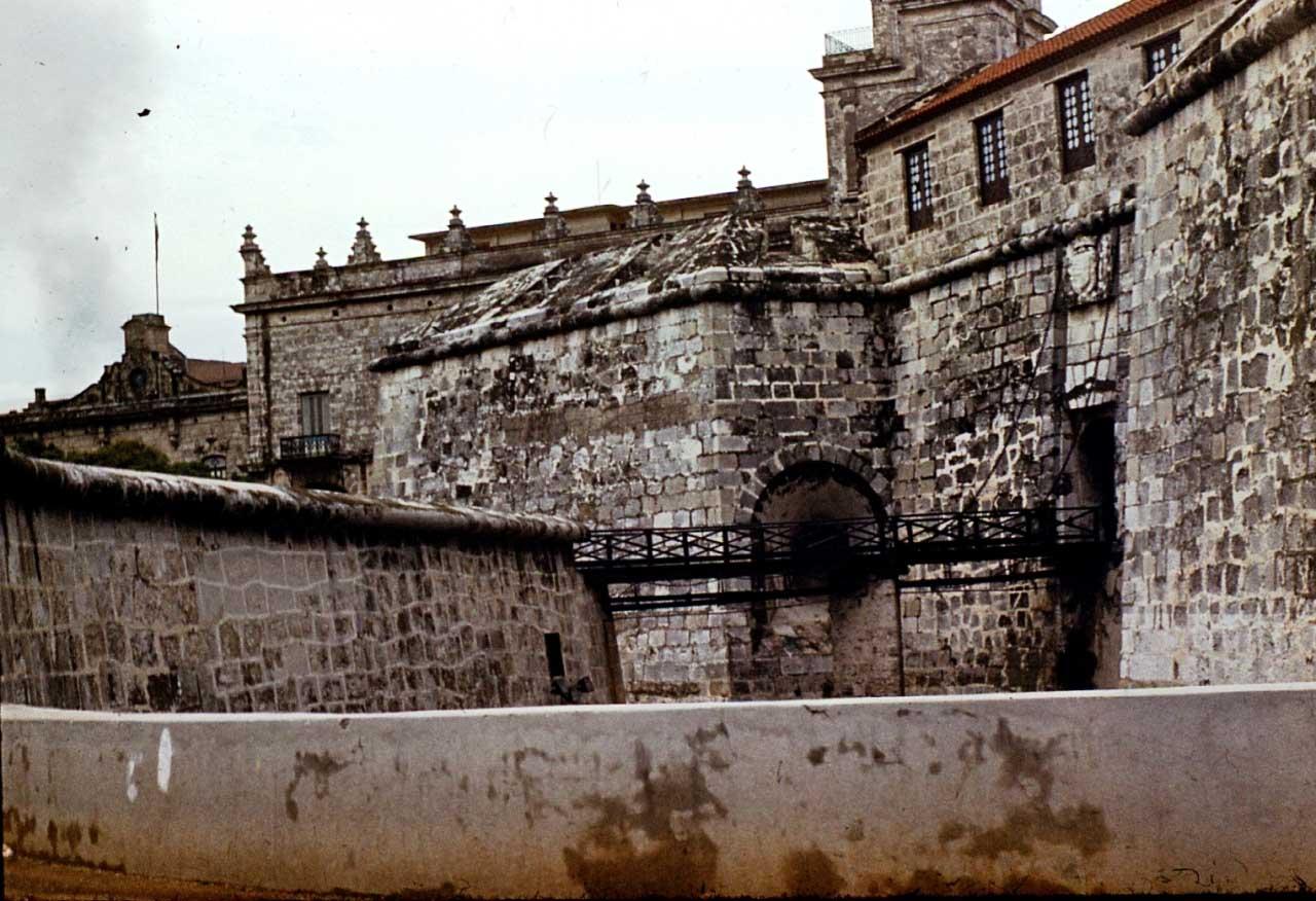 Сантьяго-де-Куба. 1983-1985. Крепость Кастильо-дель-Моро. Ныне музей.