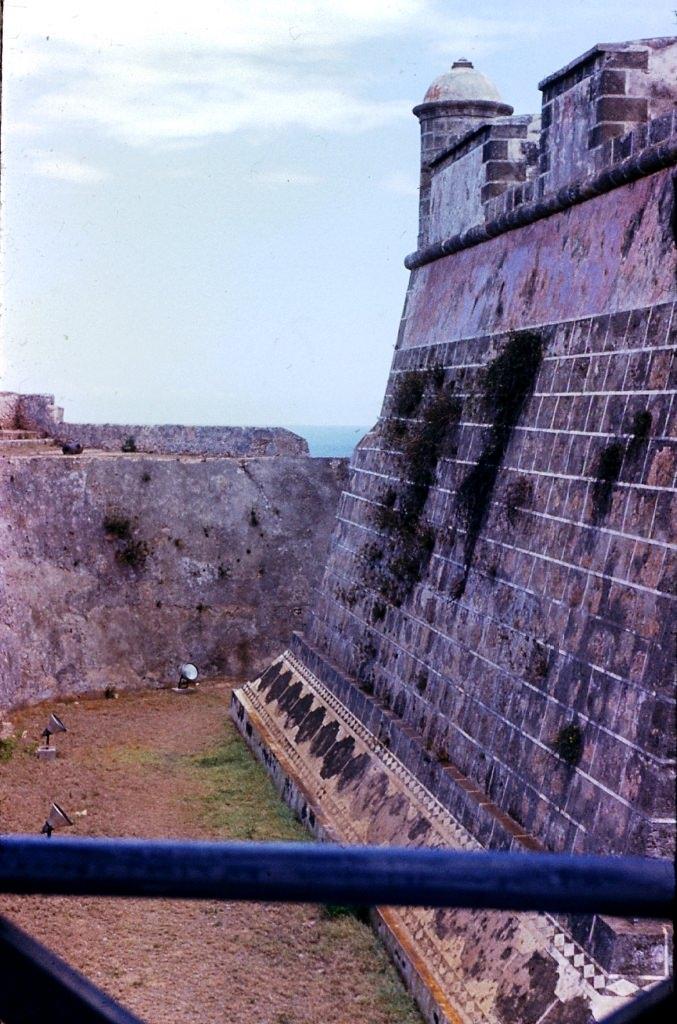 Сантьяго-де-Куба. 1983-1985. Крепость Кастильо-дель-Моро. Крепостной ров.