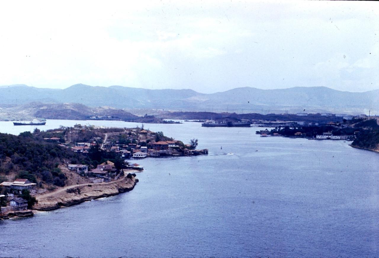Сантьяго-де-Куба. 1983-1985. Крепость Кастильо-дель-Моро. Правнучка канонира.