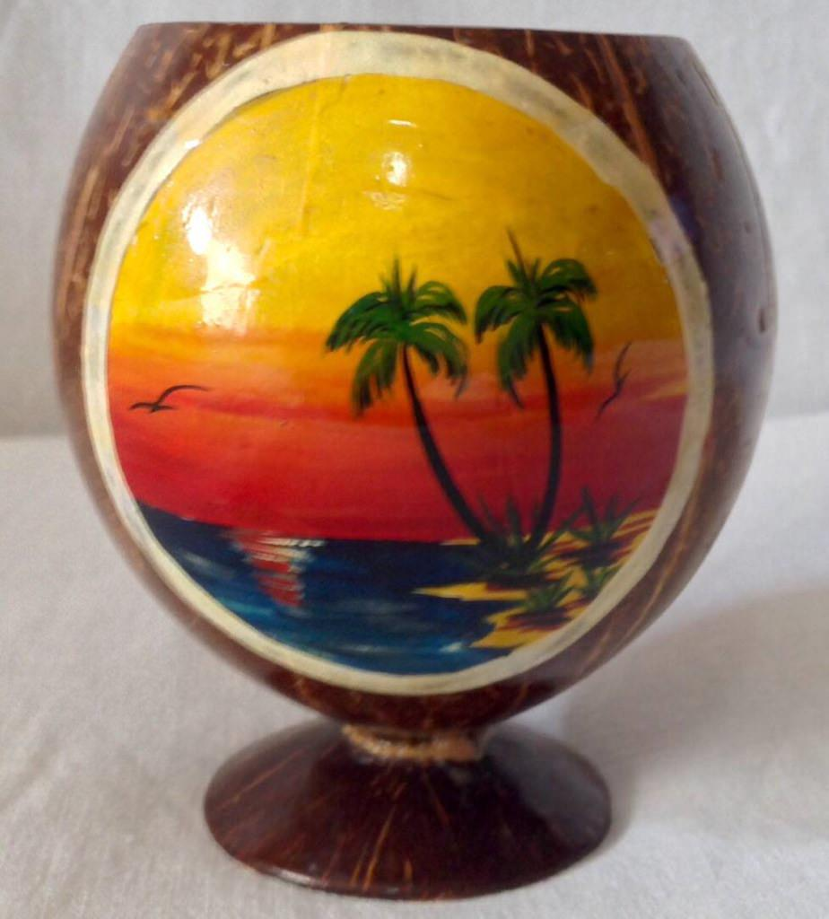 Фужер из кокосового ореха