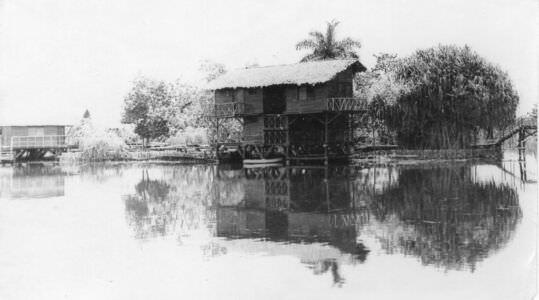 083. Индейская деревня