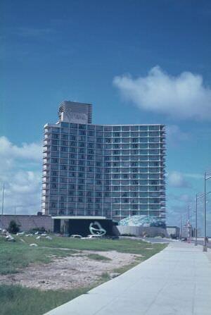 1967. Гостиница «Ривьера»