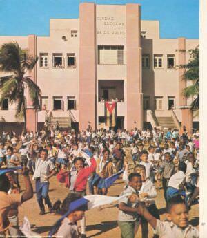 097. El Moncada: cuartel convertido en escuela