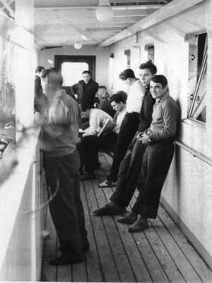 01. Сразу после погрузки на сухогруз «Лесозаводск», сентябрь 1962.