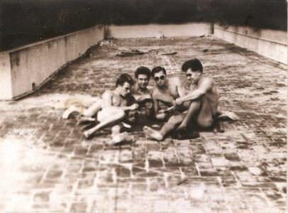 014. На крыше казармы в Торренсе