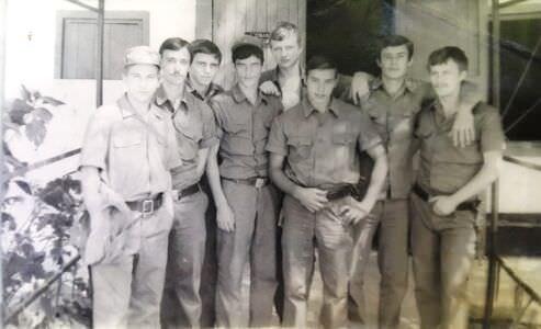 085. 1976-1977. ПРЦ. Около казармы