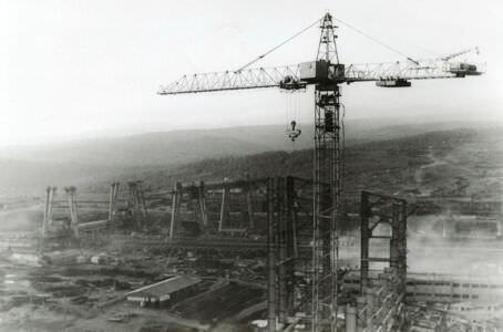 101. 1981-1982. Фото 24. Завод с высоты птичьего полета (крана)