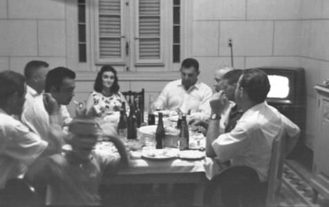 207. 1963. Гости в доме В.А. Кузьмина, фото 1