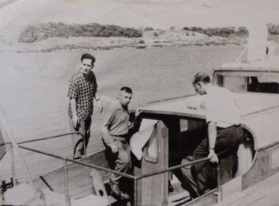 183. 1962-1965. В.А. Кузьмин и его сослуживцы на катере