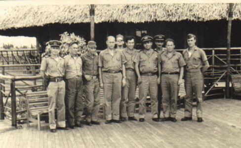 186. 1962-1965. Совместный снимок с кубинскими морскими офицерами.