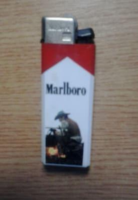 1991. Зажигалка Marlboro, с одной стороны.