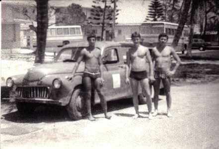 187. 1978-1979. На пляже. Скорее всего, авторота.