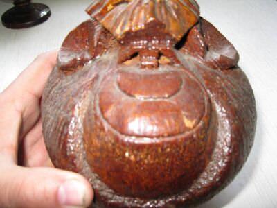 Обезьяна из кокосового ореха. Анфас.