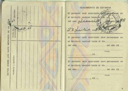 Удостоверение личности для иностранцев. Стр. 3-4