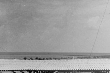 230. 1965-04-15. Вид на крейсер-мишень со «смотровой площадки», где находилась представительная комиссия во главе с Раулем Кастро.