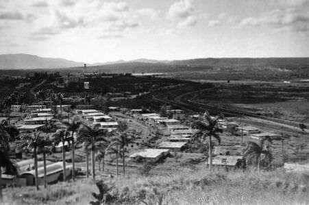 033. Панорамный снимок Моа: слева-направо, 6 из 7