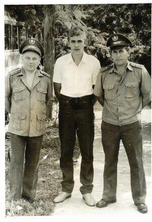 296. 1984-1987. Справа - Шляхов А.И., командир комендантского взвода штаба ГВС с октября 1984 по декабрь 1987 года