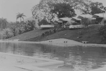 212. 1963. Сороа. Дождь, фото 3
