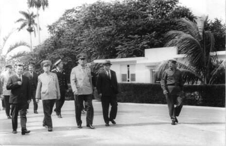 10. Визит Министра обороны СССР маршала Гречко А.А. на Кубу, 12-18 ноября 1969 года