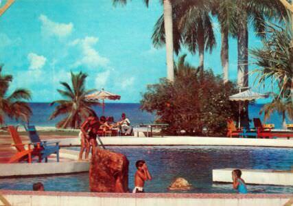 177. Бассейн в гостинице «Колони». Остров Пинос
