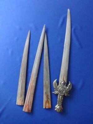 044. Меч из челюсти рыбы-меч. Ракурс 2