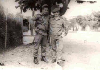 256. 1983 осень - 1985 весна. Фото 2. С кубинцем Майком