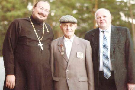 76. Октябрь 2011 года, слева направо: отец Александр, священник в Салаирском санатории, Багаев А.Ф., директор Салаирского санатория