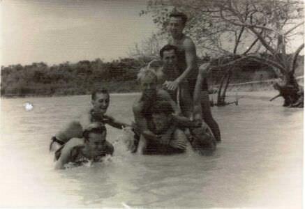 27. В бухте Кабаньяс ради шутки «построили» пирамиду, , июнь-июль 1963 г., фото 1
